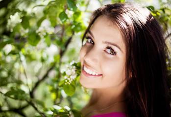 Miten eri vuodenajat vaikuttaa ihonhoitoon? Aisti kauneus ja hyvä olo
